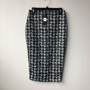 Boohoo Monochrome Check Midi Skirt